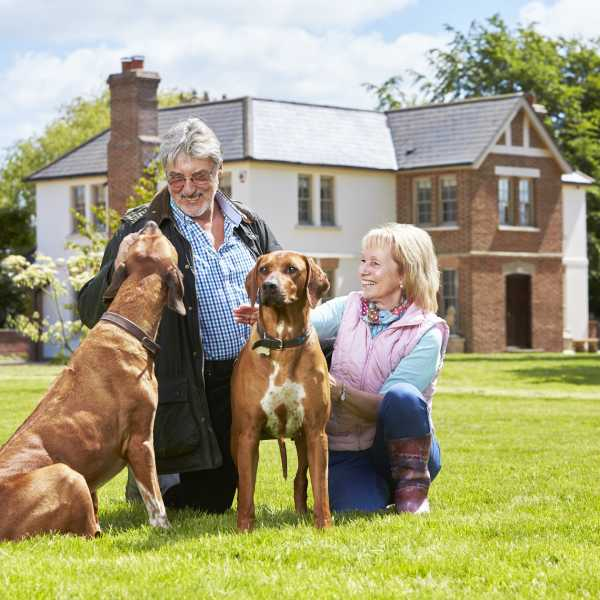 50 Connect - Older people looking for flexible employment in 2019 should try home and pet sitting